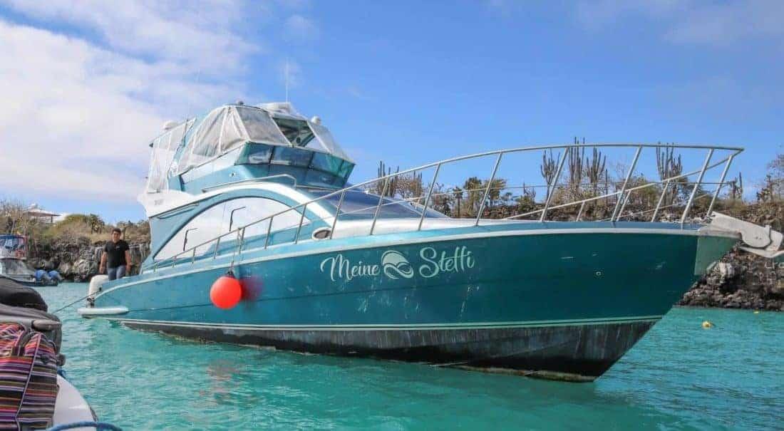 privates Schnellboot auf Galapagos